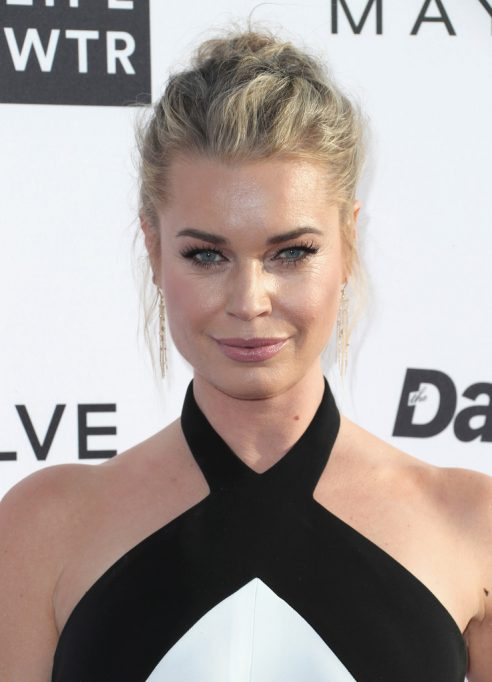 Rebecca Romijn wore a pair of Djula diamond earrings