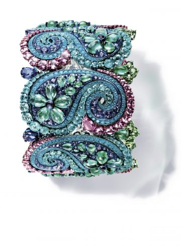 Chopard cuff set with pear-shaped and cabochon emeralds, Paraiba tourmalines, blue and pink sapphires, amethysts, tsavorites, tanzanites, apatites and diamonds.