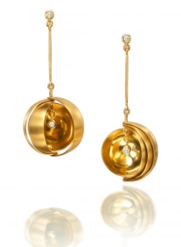Jóia earrings by Rose Carvalho
