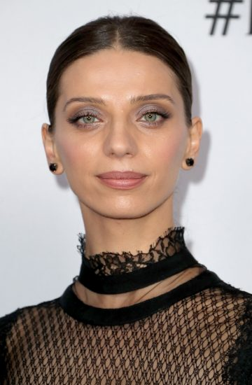 Angela Sarafyan wore Borgioni black diamond studs