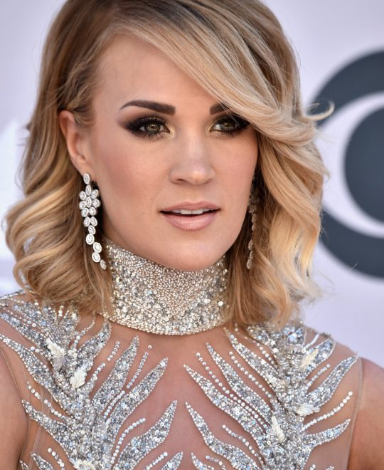 Carrie Underwood wore Harry Kotlar diamond earrings
