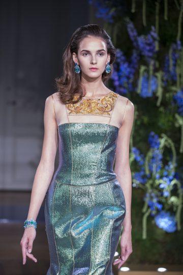 Présentation de la Collection Haute Couture Guo Pei à Paris
